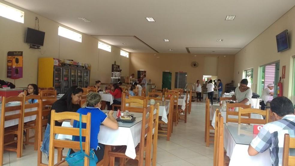 Restaurante localizado a poucos metros do balneário comemora aumento de lucros (Foto: Maristane Vieira/Arquivo Pessoal)