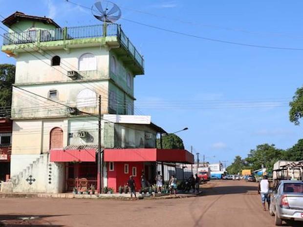 Oiapoque fica na margem brasileira do rio do qual leva o nome (Foto: BBC)
