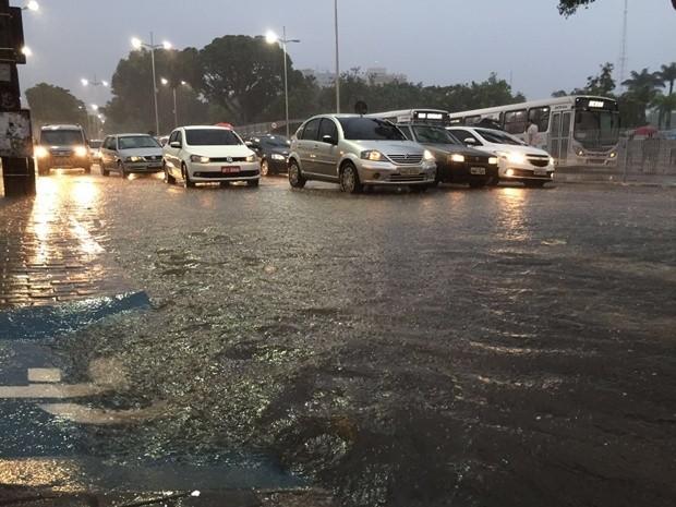 João Pessoa teve 32mm de precipitação nesta sexta-feira (Foto: Walter Paparazzo/G1)
