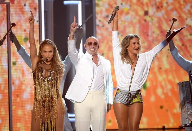 Jennifer Lopez, Pitbull e Claudia Leite (Foto: AFP)