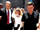 Joelma e Chimbinha deixam Fórum após assinarem divórcio no Recife