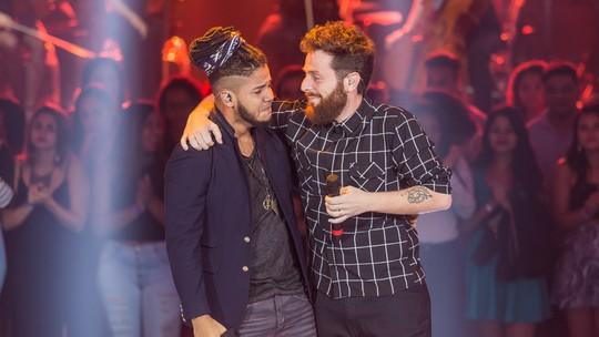 Peu Kuyumjian e Afonso Cappelo têm uma das Batalhas mais vistas da semana do 'The Voice Brasil'