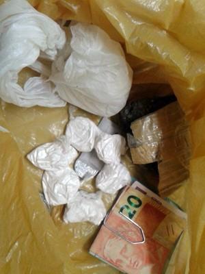 Droga apreendida com os suspeitos (Foto: Divulgação/Polícia Militar do RN)