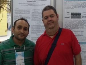 Estudo foi apresentado pelo professor Zacarias Caetano (a esquerda). (Foto: Divulgação/Ascom)
