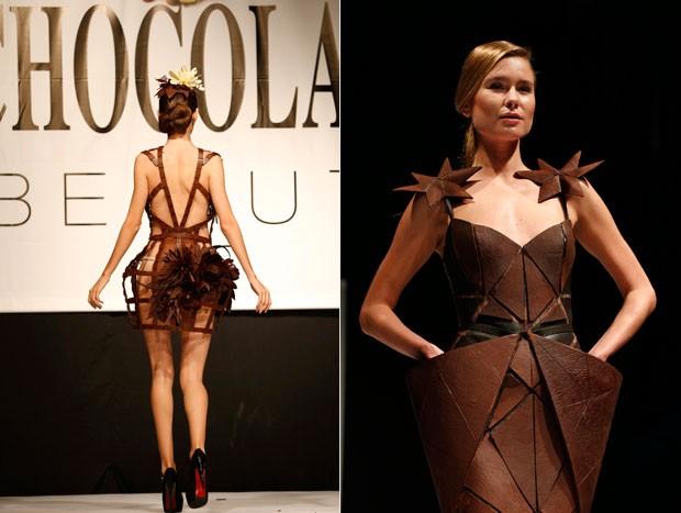 Roupa e acessórios exibidos pelas modelos eram feitas de chocolate (Foto: Jamal Saidi/Reuters)