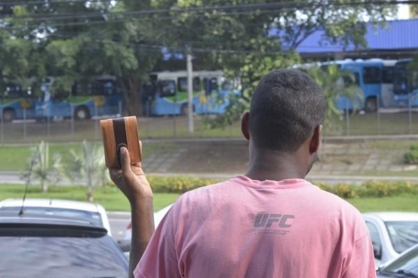 Lutador reagiu para salvar a carteira (Foto: Edson Chagas/ A Gazeta)