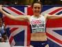 Atleta britânica é impedida de dar volta olímpica por segurança, mas 'escapa'