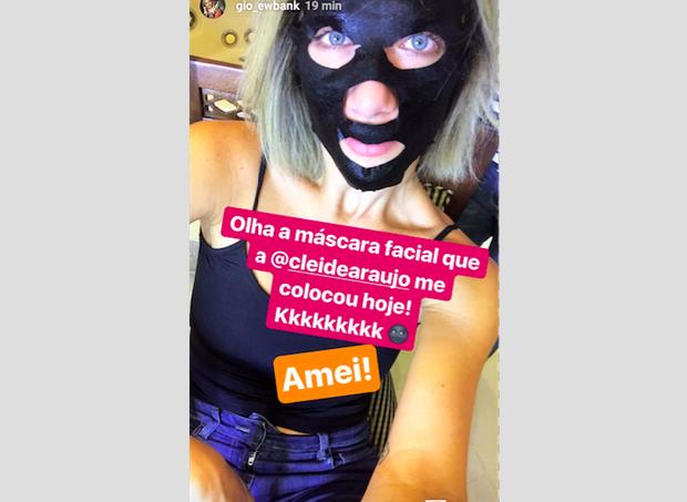 Giovanna e sua máscara antes do casamento  (Foto: Reprodução Instagram)