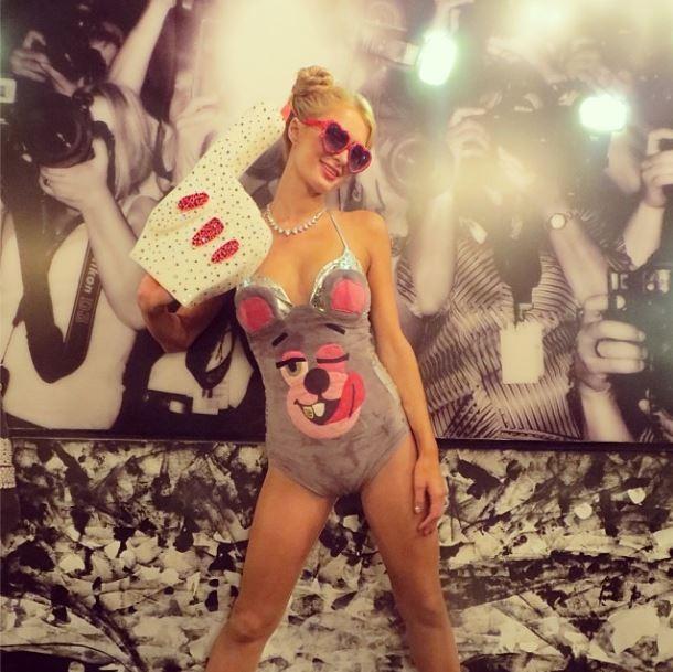 Paris Hilton fantasiada de Miley Cyrus (Foto: Instagram/Reprodução)