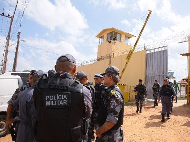 Polícia Militar durante revista realizada na terça-feira, no Complexo de Pedrinhas (Foto: Biné Morais/O Estado)