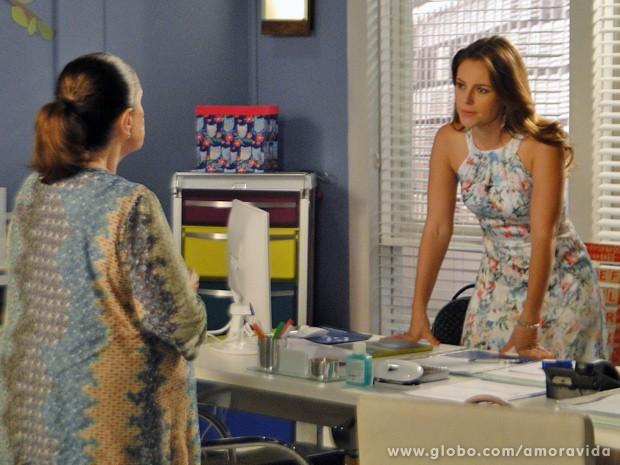 Paloma pede e Ciça aceita o desafio (Foto: Amor à Vida / TV Globo)