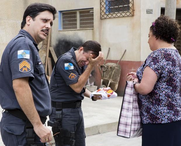 Noronha e Bigode vivem discutindo a relação no seriado (Foto: Tata Barreto / TV Globo)