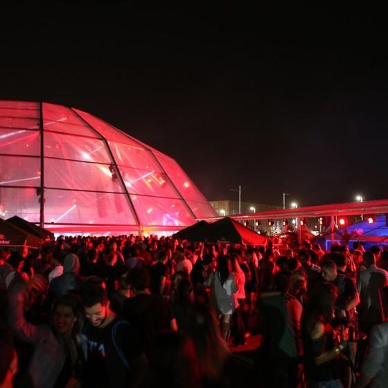 O after party da Privilége atrai uma multidão quando os shows no palco mundo do RIR terminam (Foto: Divulgação)