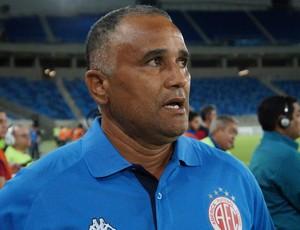 Oliveira Canindé - técnico do América-RN (Foto: Augusto Gomes)