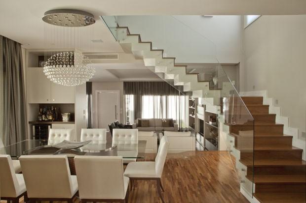 Uma casa s bria de alma cl ssica casa vogue casas for Foto casa classica