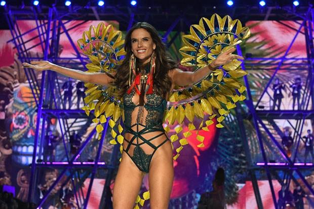 As brasileiras que vão desfilar no Victoria's Secret Fashion Show 2017