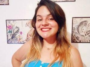 Jeniffer tem 17 anos e estuda psicologia  (Foto: Arquivo pessoal)