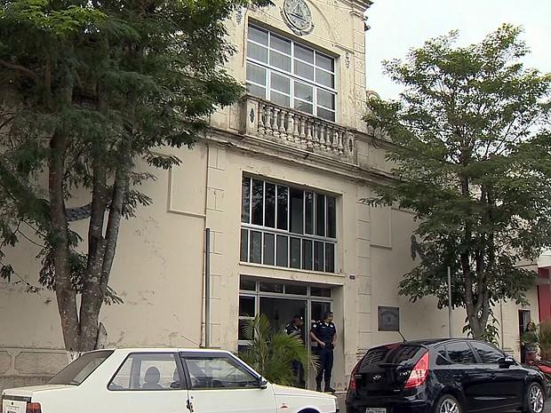 Prefeitura de Barbacena quebra acordo com servidores municipais (Foto: Reprodução/TV Integração)