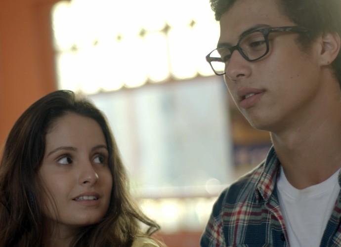 Nanda fala de outros meninos na frente de Filipe (Foto: TV Globo)
