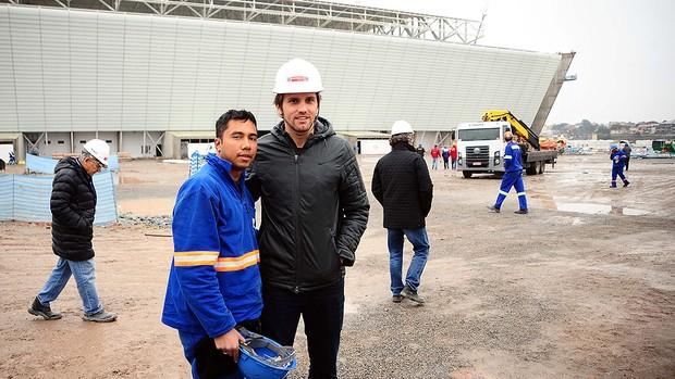 Paulo André visita obras acabamento estádio Itaquerão Corinthians (Foto: Marcos Ribolli / Globoesporte.com)