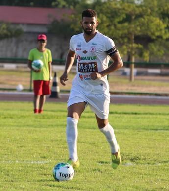 Élton Santos, zagueiro e capitão do Náutico-RR (Foto: Ivonisio Júnior)