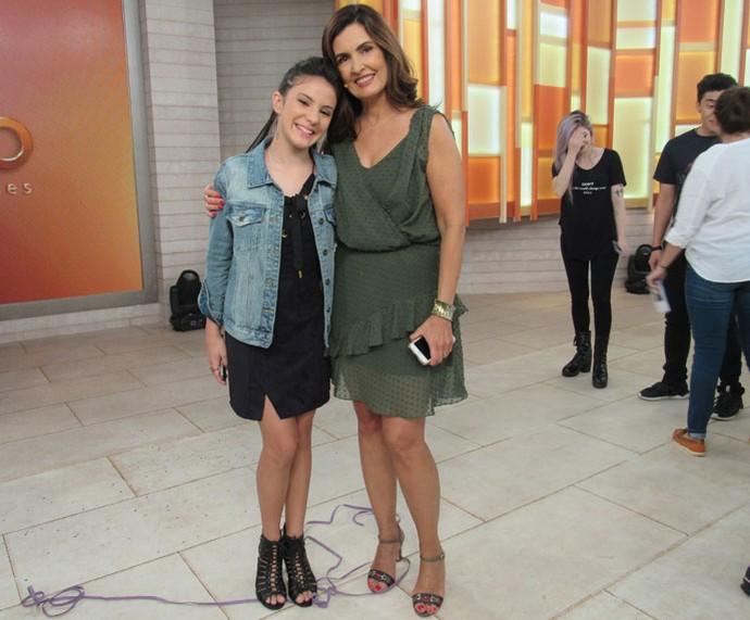 A apresentadora com a atriz Giovanna Rispoli (Foto: Monique Arruda/Gshow)