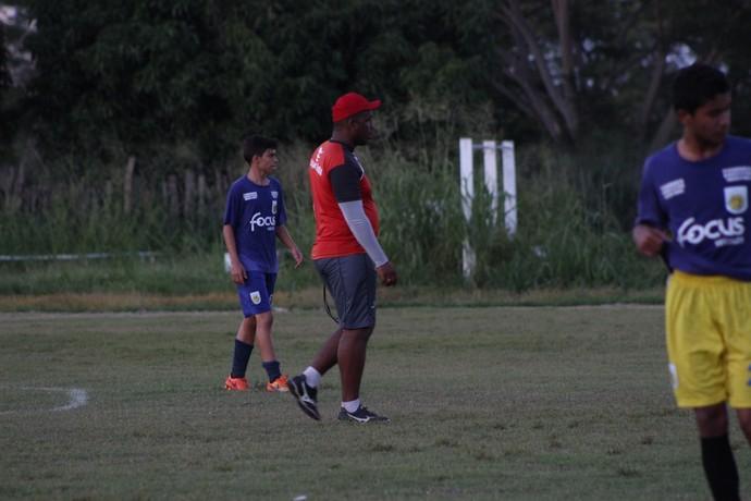 Vladimir de Jesus, treino Flamengo-PI (Foto: Wenner Tito )