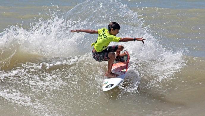 Lucas Bezerra - surfista CE (Foto: Eros Sena)