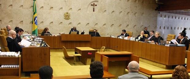 O plenário do Supremo Tribunal Federal, durante análise dos embargos de declaração do mensalão (Foto: Gervásio Baptista/SCO/STF)
