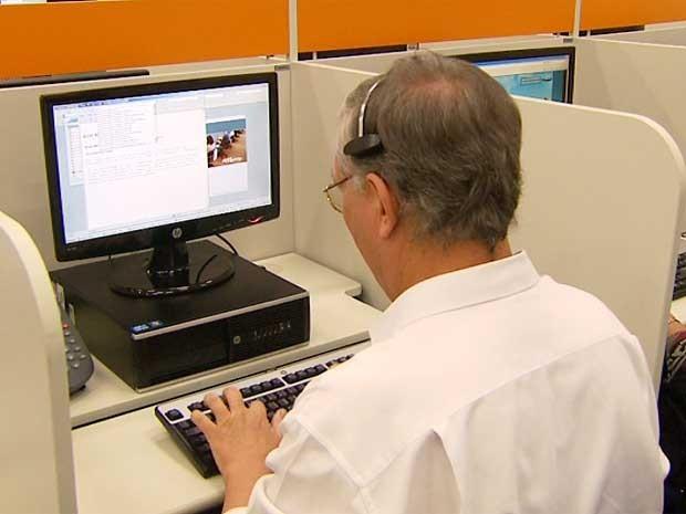 Empresa oferece vagas para operador de teleatendimento (Foto: Reprodução/EPTV)