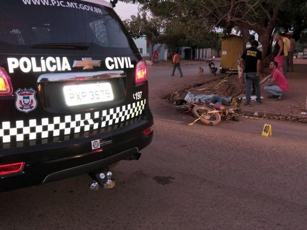 Motociclista seguia para o trabalho quando sofreu o acidente na capital (Foto: Divulgação/Deletran)