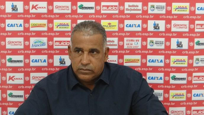 Ademir Fonseca avisa que CRB não pode menosprezar o Águia (Foto: Denison Roma / GloboEsporte.com)