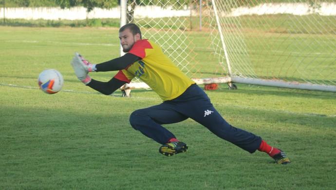 Busatto, goleiro do América-RN (Foto: Canindé Pereira/Divulgação)