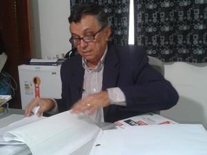 Promotor de Castelo do Piauí, Cesário de Oliveira, apresentou denuncia contra Adão de Sousa (Foto: Gilcilene Araújo/G1)