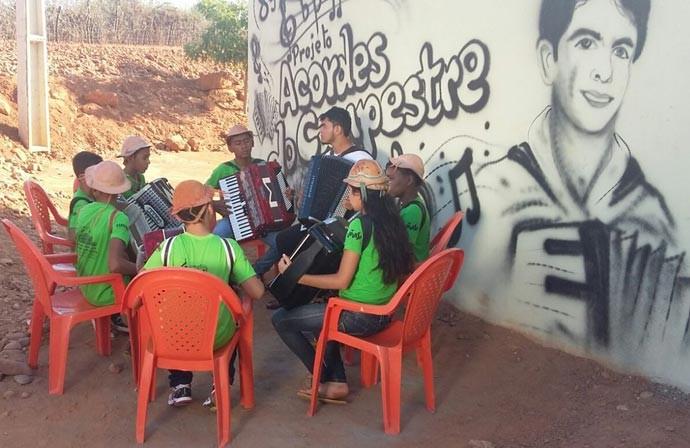 O projeto de música atende cerca de 65 crianças (Foto: Gshow/PI)