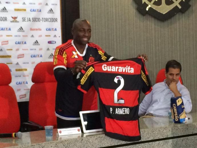 Armero Flamengo apresentação (Foto: Ivan Raupp)