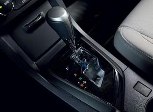 Manopla do câmbio automático do Toyota Corolla (Foto: Fabio Aro / Autoesporte)