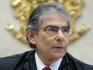O presidente do STF, Carlos Ayres Britto, em julgamento nesta quarta (23) (Foto: Nelson Jr./SCO/STF )