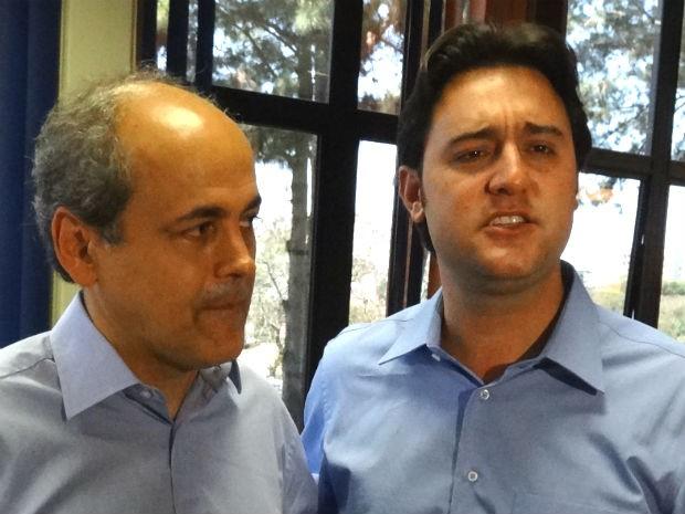 Fruet e Ratinho Jr. (Foto: Sérgio Tavares Filho/G1)