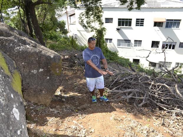 Ronaldo Monjardim retornou ao local onde encontrou o corpo de Araceli quase 42 anos depois (Foto: Viviane Machado/ G1)