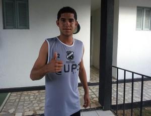 Lateral-direito Renato se apresenta ao ABC (Foto: Divulgação/ABC)