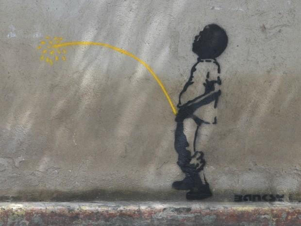 Grafite foi feita na sede do Batalhão da Polícia Militar (Foto: André Teixeira/G1)