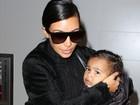 Filha de Kim Kardashian e Kanye West usa jaqueta em homenagem ao pai
