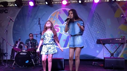 Flávia Scanuffo e Ystefani, do 'The Voice Kids', cantam juntas pela primeira vez