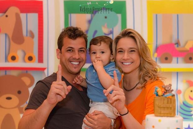 Matheus Braga, Gabriel e Fernanda Gentil (Foto: Rebeca Penna Firme/ Divulgação)