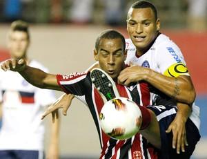 Ademilson e Titi, Bahia x São Paulo (Foto: Rubens Chiri / Agência Estado)