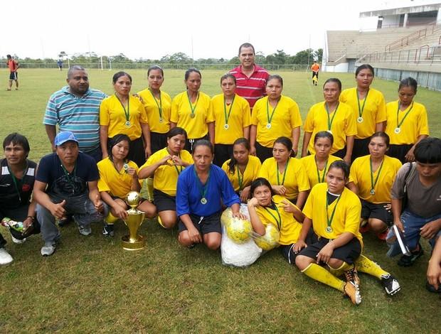 Parowá, time índigena campeão do Torneio da Floresta em Cruzeiro do Sul (Foto: Divulgação/SEE)