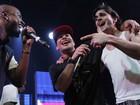Thiaguinho, Thiago Martins e Fiuk cantam em boate em São Paulo
