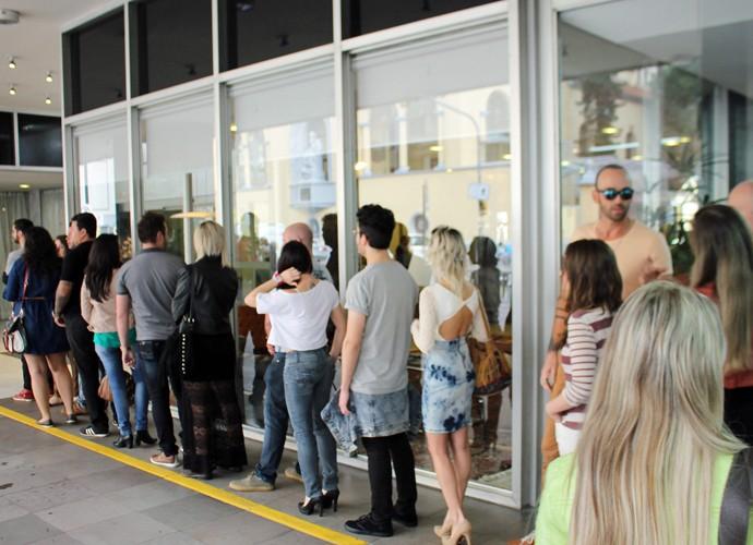 Galera aguardando ansiosa para o início da Seletiva Regional de Porto Alegre (Foto: Gshow)