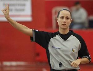 Árbitra Maria Cláudia Comodaro (Foto: Liga Nacional de Basquete/Divulgação)